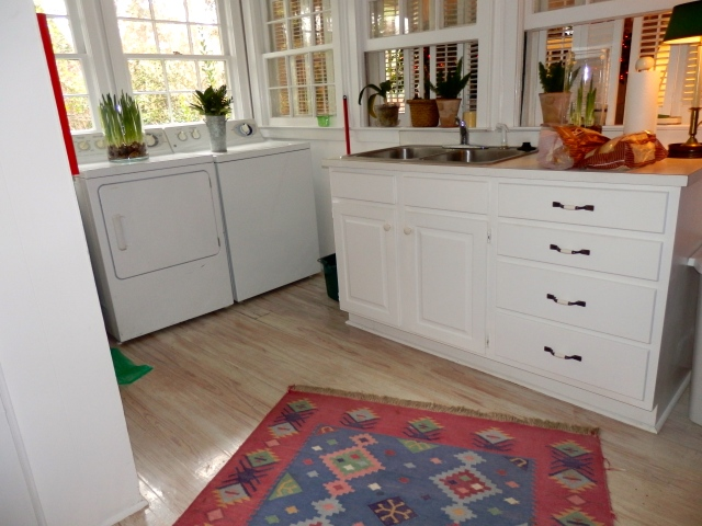 Cheeriest laundry room ever!